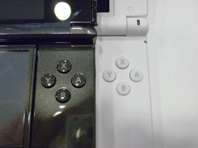 A、B、X、Yボタンはほとんど変わらない感触