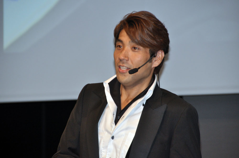 ケイブの「怒首領蜂 最大往生・完」のプロデューサーの浅田誠氏