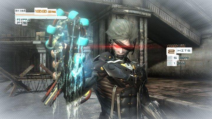 雷電は「斬撃モード」中に特定の位置を斬ることに成功すると、敵のエネルギーを吸い取ることができる。これでHPを回復させることが可能だ