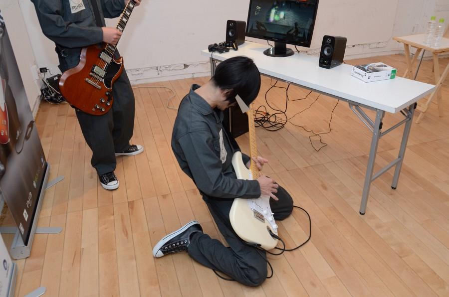 デモプレイ中、ヤノさんがノリノリで演奏してみせたシーン。慣れてきたらステージアクションなどを意識してみるのも面白そうだ