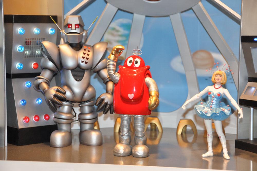 「EX合金 ロボコン」は9月、「EX合金 ロビンちゃん」は11月、「EX合金 ガンツ先生」は2014年1月発売