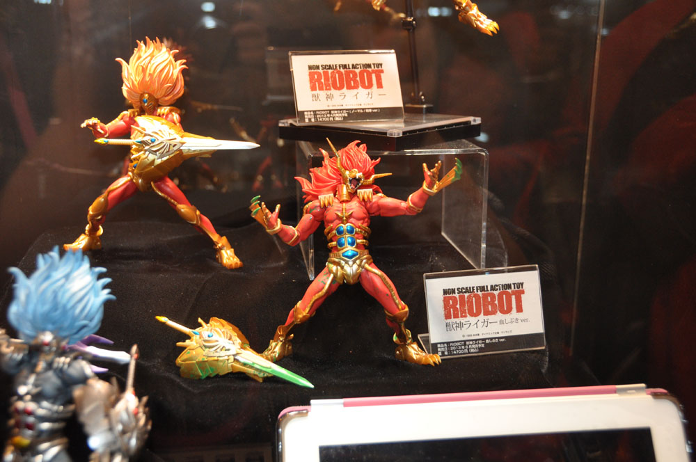 「RIOBOT 獣神ライガー」4月発売