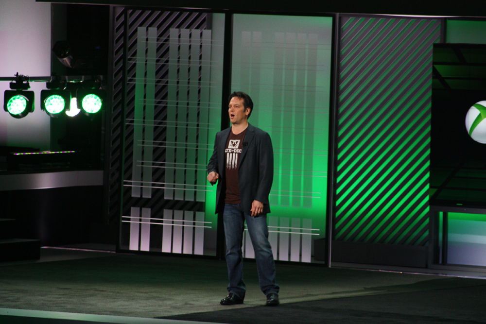 Microsoft Studiosプレジデントのフィル・スペンサー氏。複数の新規投資を行ない過去最大級の開発ラインを走らせていると、Xbox One向けエクスクルーシブタイトルの供給に自信を見せた