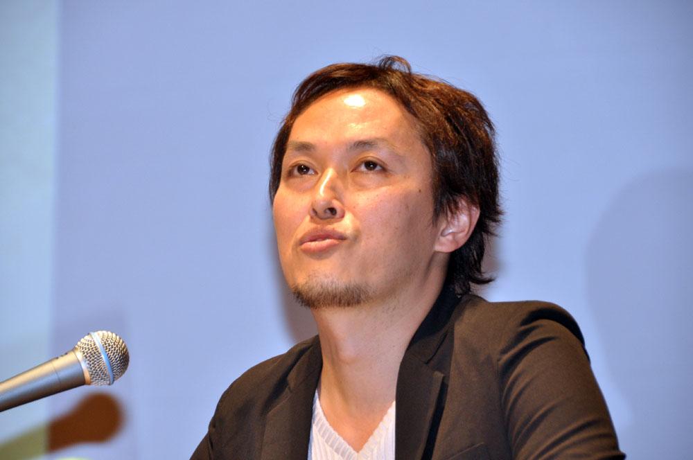 「ドラゴンクエストX」のディレクターを務めるスクウェア・エニックスの藤澤仁氏