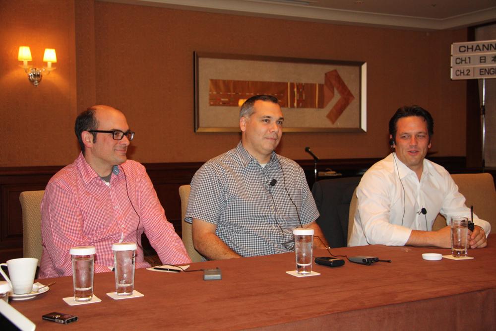 ラウンドテーブルは小規模で実施され、Microsoft Game Studiosからはトップのフィル・スペンサー氏をはじめ3人が来日していた