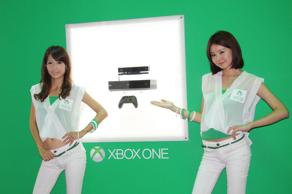 Xbox OneはKinectが標準装備される!