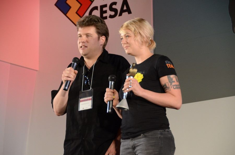 自由度の高い対戦システムをはじめ、これまでのFPSを超える作品として多くのユーザーからの期待を集めた点が評価されての受賞