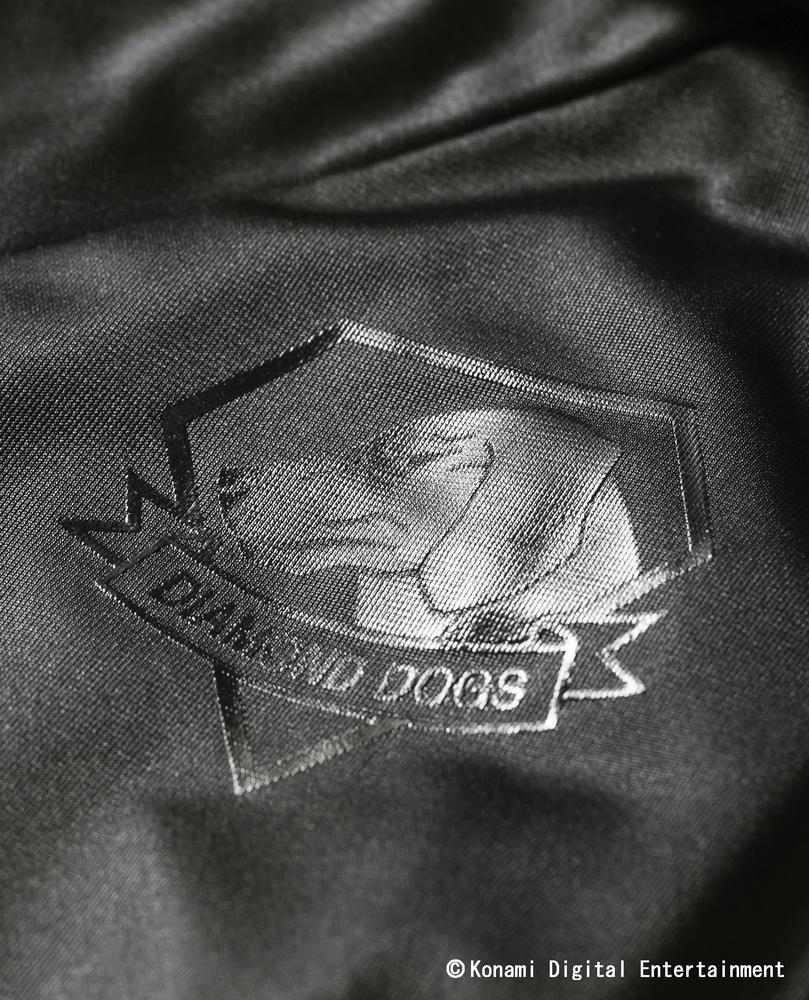 「PUMA×METAL GEAR SOLID V T7 Track Jacket」。新川洋司氏がデザイン、監修を行なっている