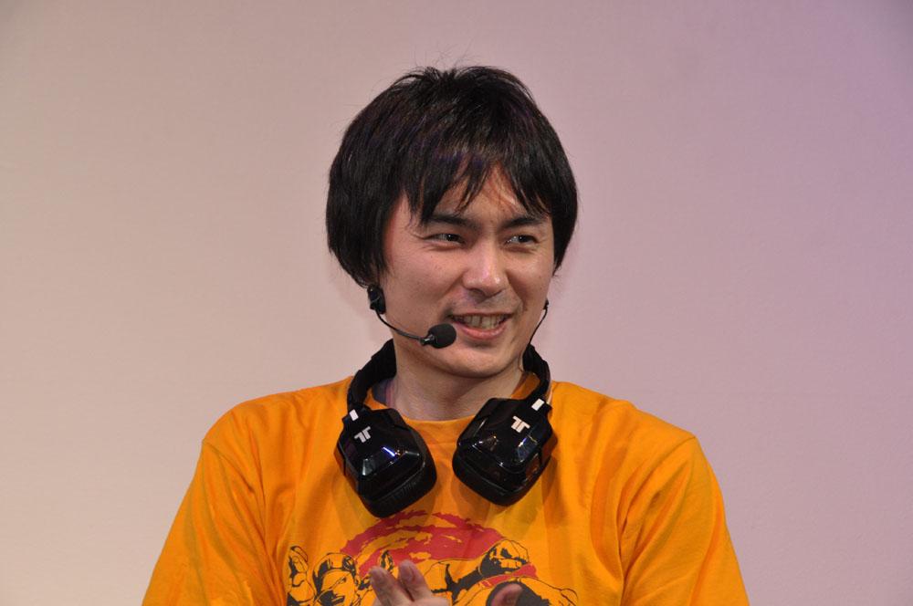「ウルトラストリートファイターIV」アシスタントプロデューサーを務める綾野智章氏