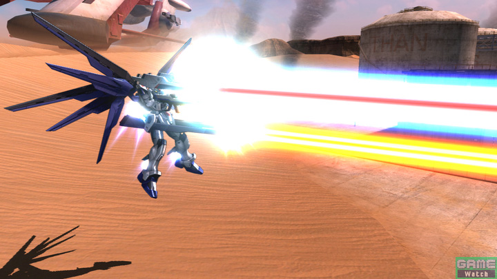 一斉にビームを照射するハイマットフルバースト。特殊格闘中に使用すると逆さまの状態で照射するという演出が楽しめる