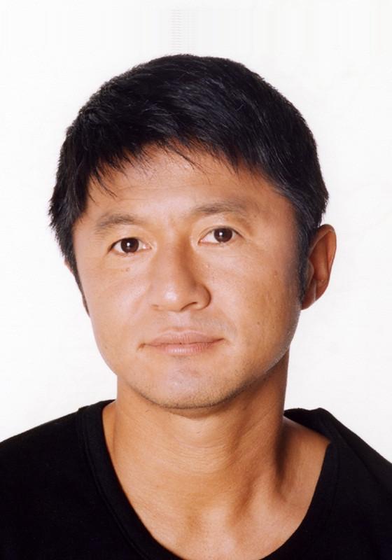 「黒豹の色男」・武田として登場。1967年5月10日生まれ。静岡県出身。小学校1年からサッカーを始め、中3でジュニアユース日本代表に選ばれる。清水東高校1年のとき全国高校サッカー選手権で準優勝の原動力となり注目を集める。卒業後は、読売クラブ(現・東京ヴェルディ1969)入り。19歳で日本代表に選出され名実ともに日本を代表するストライカーに。新人王、MVP、4度のベストイレブンに輝き、ヴェルディの中心選手として黄金期を支える。01年の引退後は、サッカー解説者として活動。また、爽やかなキャラクターを生かし、バラエティ番組やクイズ番組などにも多数出演し、活躍の場を広げている。06年日本サッカー協会公認S級ライセンスを取得。今後はサッカーの指導者としても活動の幅を広げていく