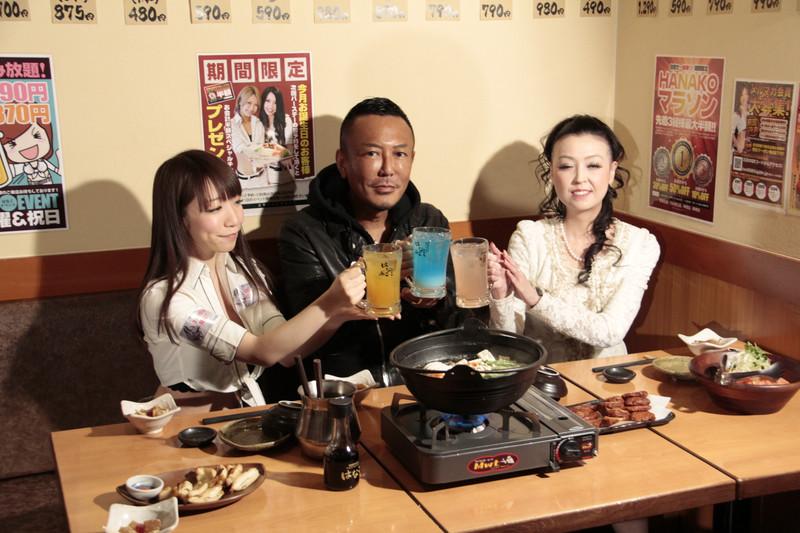 3人での試食が行なわれたあと、プレスにも料理が振舞われた
