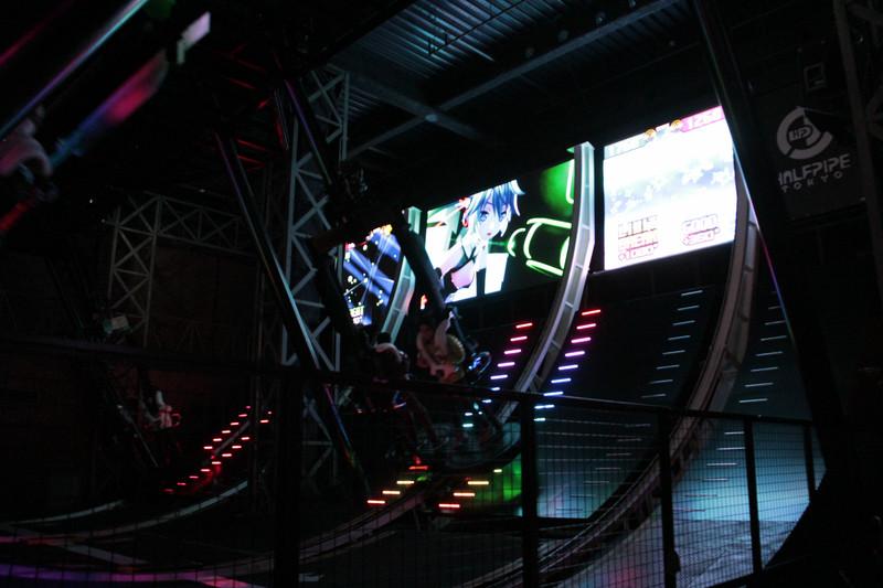 「初音ミク -Project DIVA- F 2nd」の映像と楽曲で遊ぶことができる