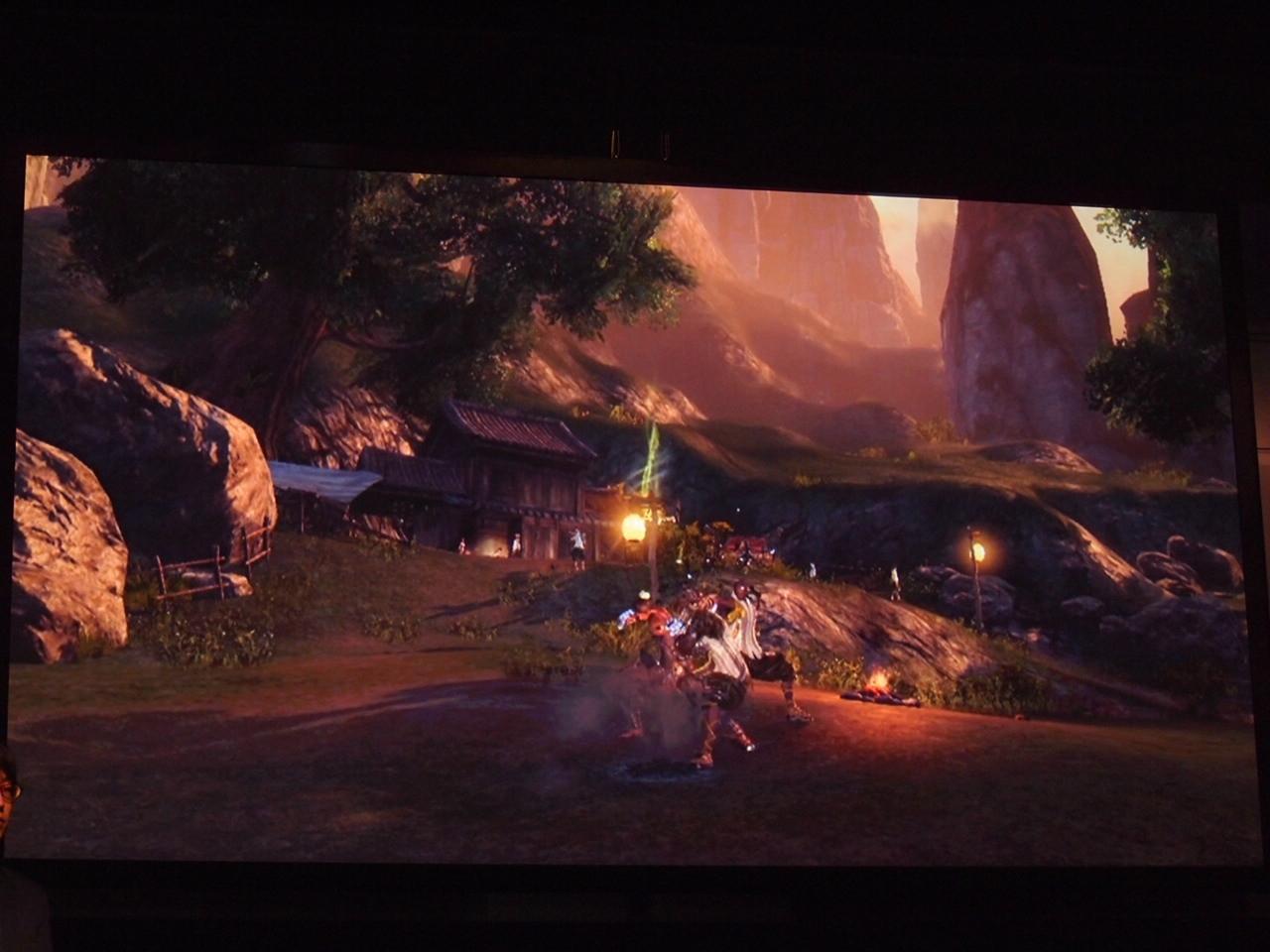 ゲーム内時間にあわせて太陽も動く。日中、夕暮れ、太陽が完全に沈んだ夜も確認できた