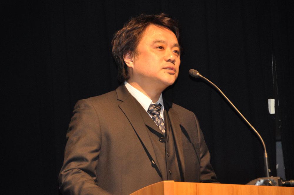 アニメ「プリパラ」の制作を担当するタツノコプロ代表取締役社長桑原勇蔵氏と、プロデューサーの依田健氏