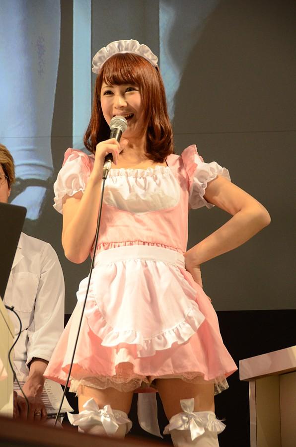 椿姫さんはバレンタインイベントのコスチューム、初美さんはなぜかセーラー服で登場。どちらも客席から「かわいい!」と大好評