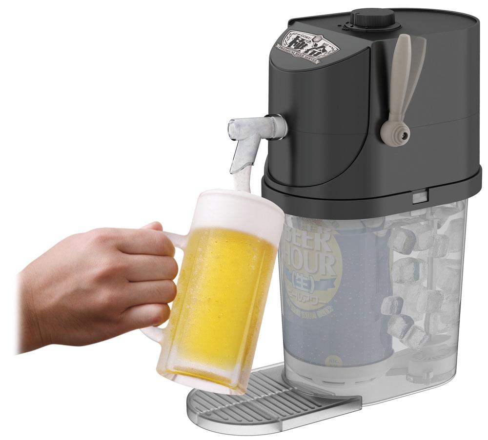 氷水を攪拌することでセットした缶ビールを急速に冷やすことができ、レバーを引くことでビールが注げる