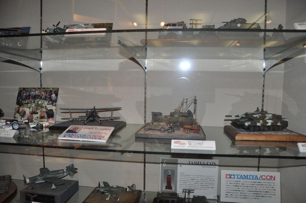 こちらはタミヤの歴史を展示しているコーナー。木製の玩具や、昭和の頃の商品などを見ることができる。タミヤの模型コンテストの優秀作品なども展示されており、とても見応えがある