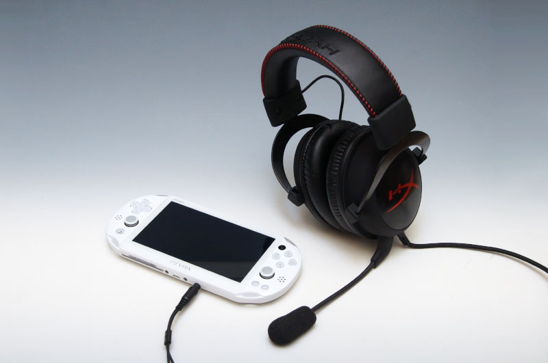 DUALSHOCK 4に繋いでPS4での利用、PS Vitaでの利用、スマートフォンやタブレットでの利用、そしてPCでの利用と、幅広く活用できる