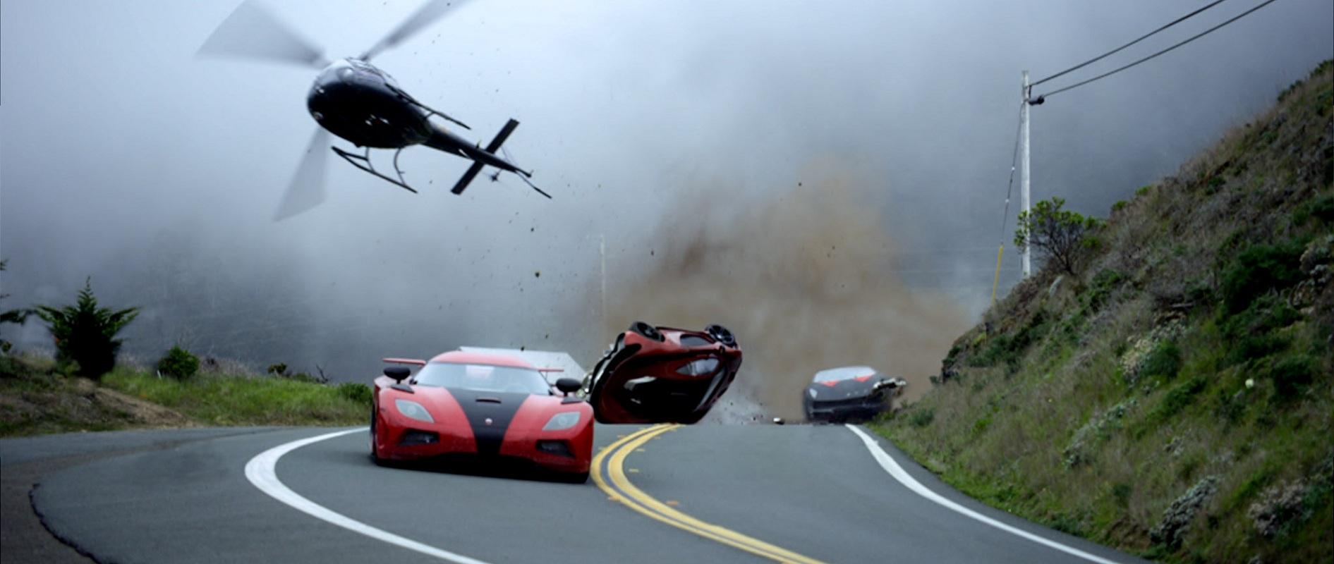 レーサー同士の対戦、警察との追走劇、「ニード・フォー・スピード」の要素を映画的に上手く昇華させて迫力を生んでいる