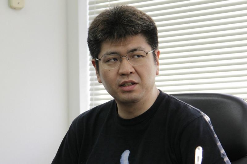 """・八木貴弘氏<br class="""""""">「テクモ・アーケードゲーム・クロニクル」の企画・制作を担当した、スーパースィープメディア部プロデューサー。1980年代からゲームライターとして活躍し、サイトロン・デジタルコンテンツを経て現職に"""