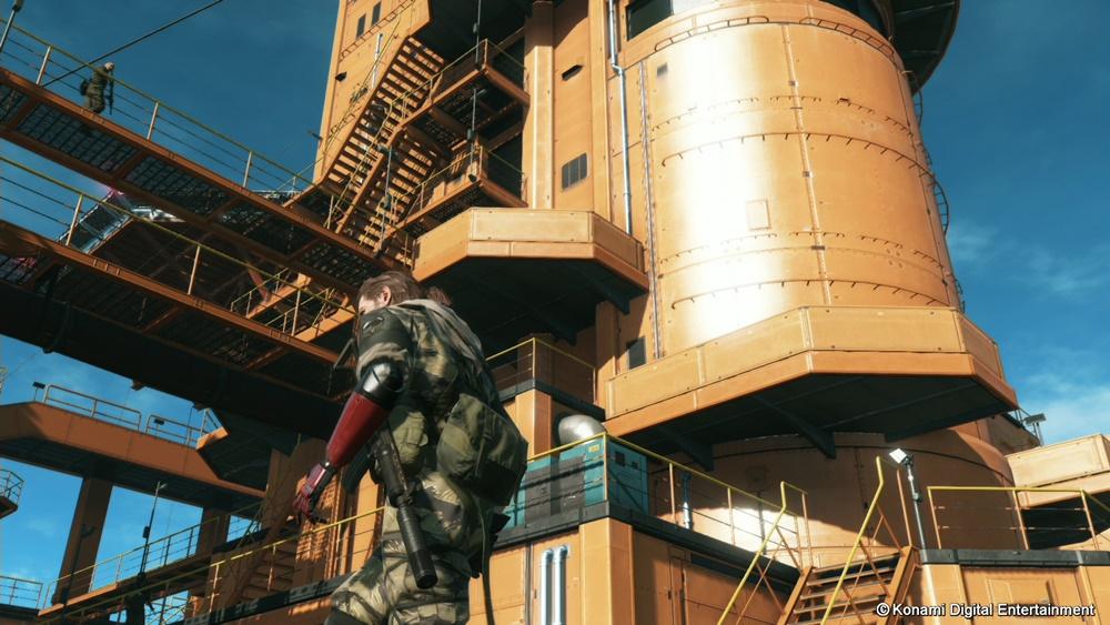 兵士を含め、回収した物資が集まるマザーベース。「MGS2」の「ビッグ・シェル」にも似ている