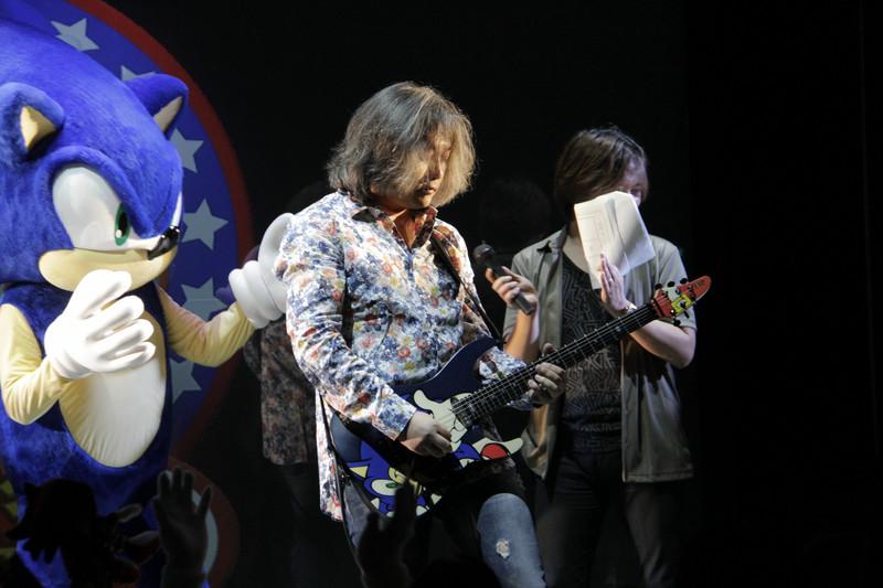 さらに瀬上氏もギターを手に乱入!