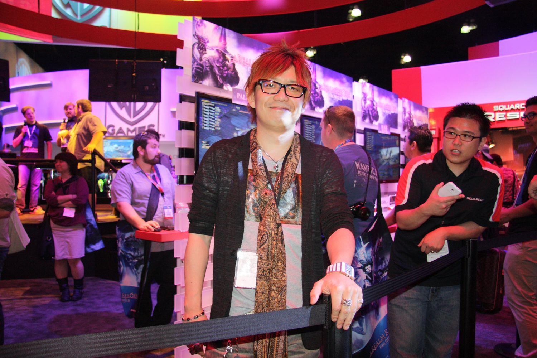 メディアインタビューやライブの合間にちょくちょくブースに足を運んでいた吉田直樹プロデューサー