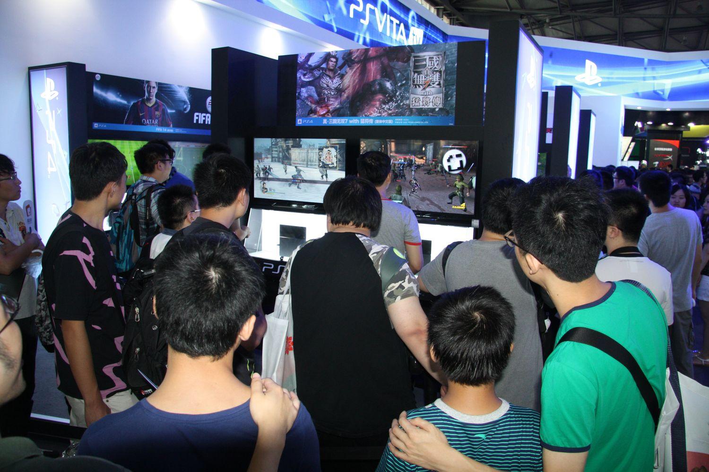 高い注目を集めていたPS4コーナー。中文繁体字版「真・三國無双7 with 猛将伝」が1番人気だった