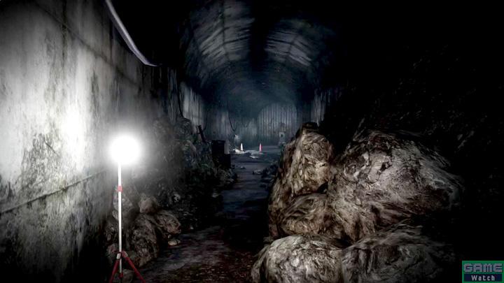日上山を観光地として開発する際、山頂へと通ずる観光道路を通す予定で作られていたトンネル。工事中、山の内部に広がる「胎内洞窟」に繋がってしまい、洞窟内部に流れる大量の水がトンネル内へ流れ込み、多数の死者が出るという事故が発生した。その後工事は再開されたが、山自体の開発が中止されたため、工事途中で放棄、封鎖された
