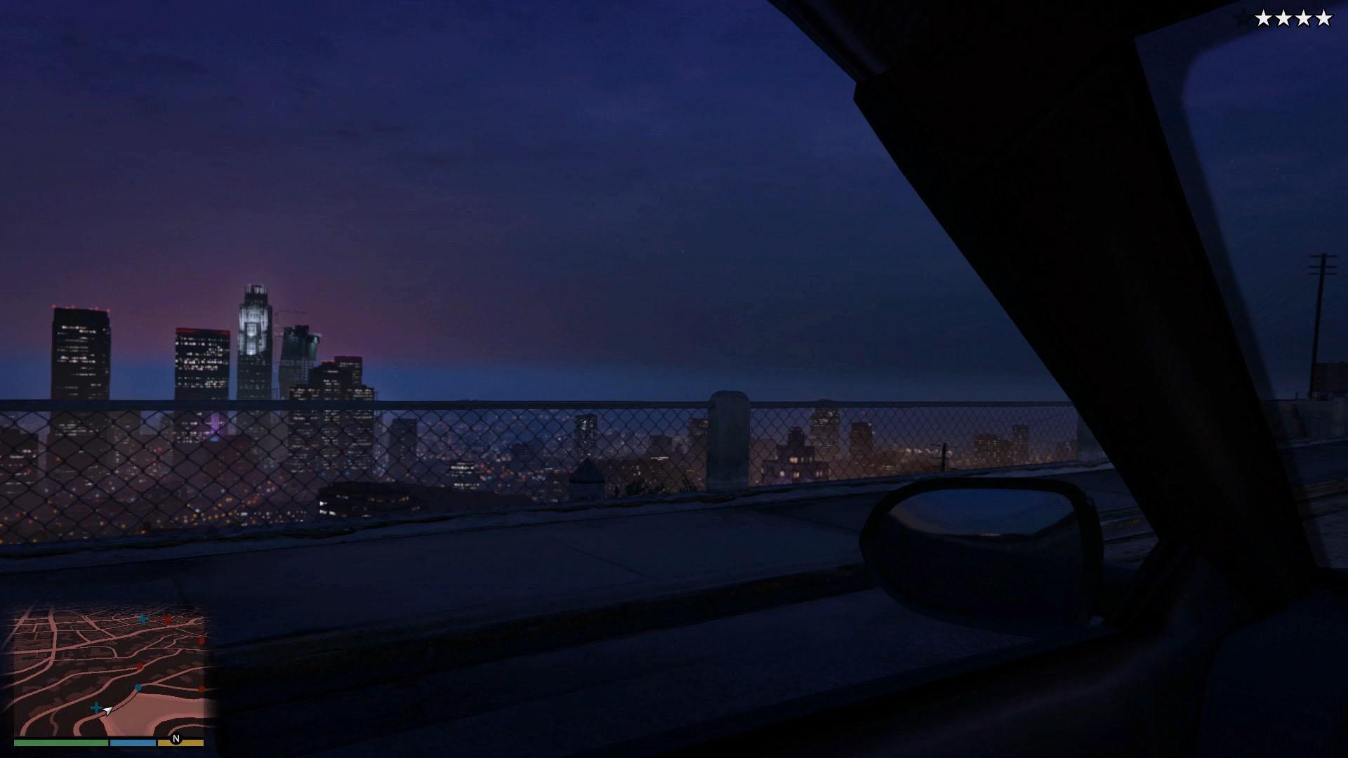 一瞬街を見るマイケル