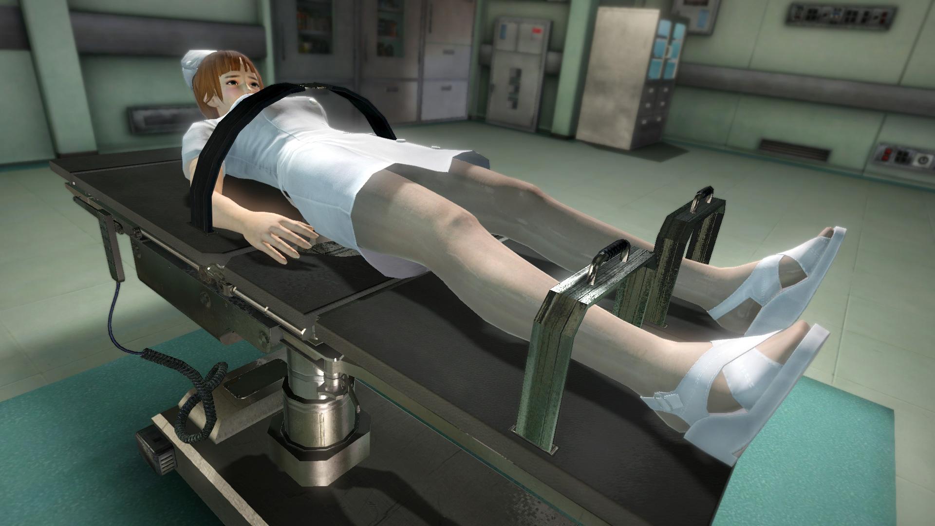 仕掛け「手術台」。手術台の上で一定時間拘束することができる
