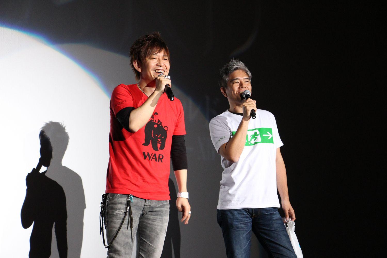 プロデューサー/ディレクターの吉田直樹氏とコミュニティチームの室内俊夫氏