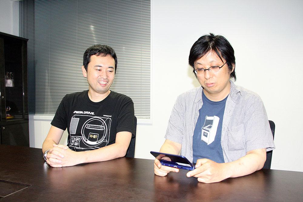 リリースされる度にお邪魔してお話を伺っている、セガゲームスの奥成洋輔氏(左)と堀井直樹氏(右)
