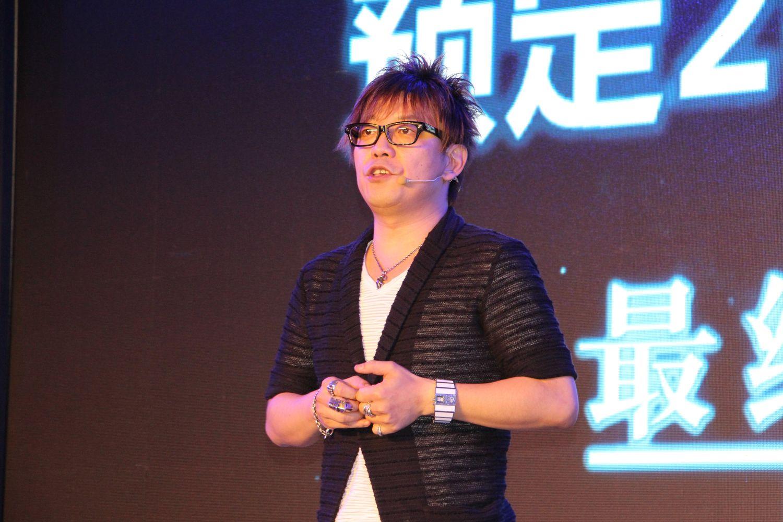 「FFXIV」について語るプロデューサー兼ディレクターの吉田直樹氏