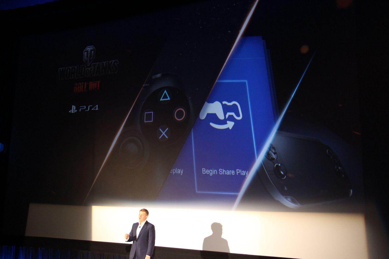 先日の発表に続いてPS4版「World of Tanks」のアジア言語版がWargaming.net CEOのVictor Kislyi氏より発表された。PS4版では、PS4版独占マップが2つ実装されるほか、「ガールズ&パンツァー」とのコラボ戦車やコラボPS4テーマなどを用意。完全基本プレイ無料で、PS Plus会員には、追加特典が用意される。なおクロスプラットフォームプレイには非対応となる