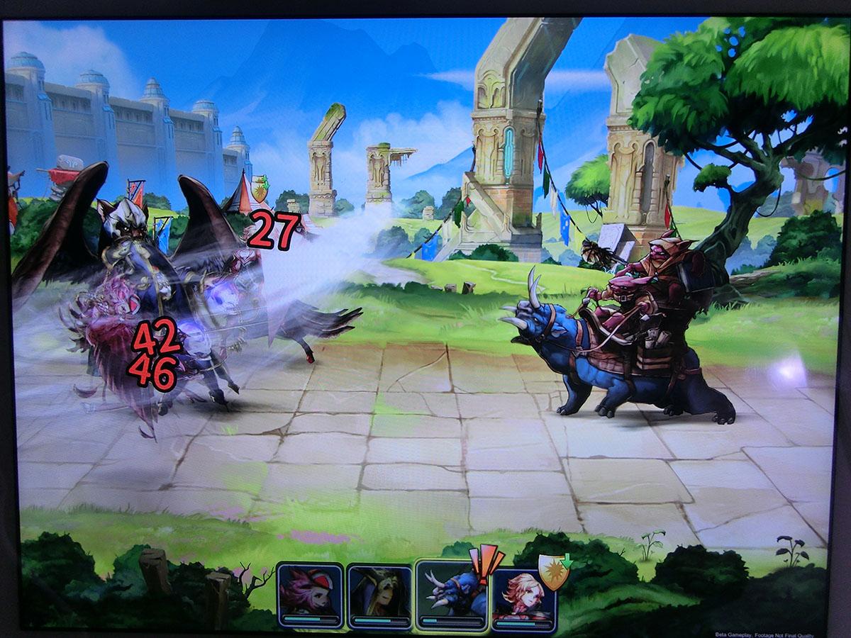 戦闘中のキャラクターたちは細かい動きでアニメーションする
