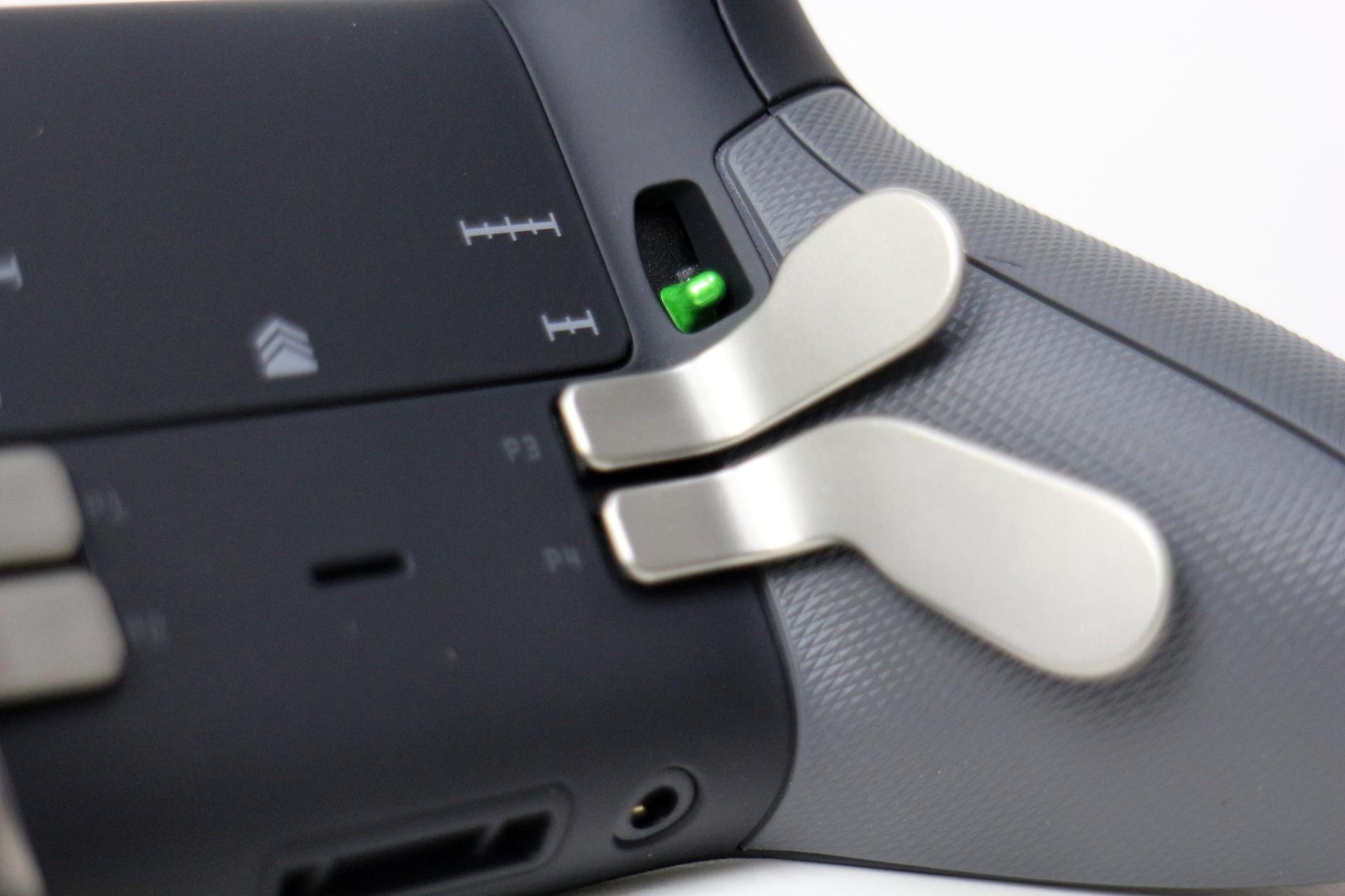 緑色のスイッチでトリガーのハーフロックが可能