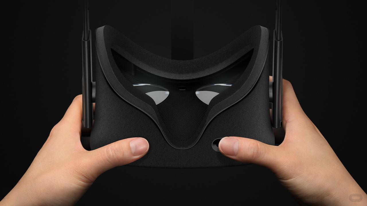 Oculus Rift、HTC Viveともにレンズは同じくらい大きい。解像度・視野角も同等で、表示性能は全く同じレベルだと言える