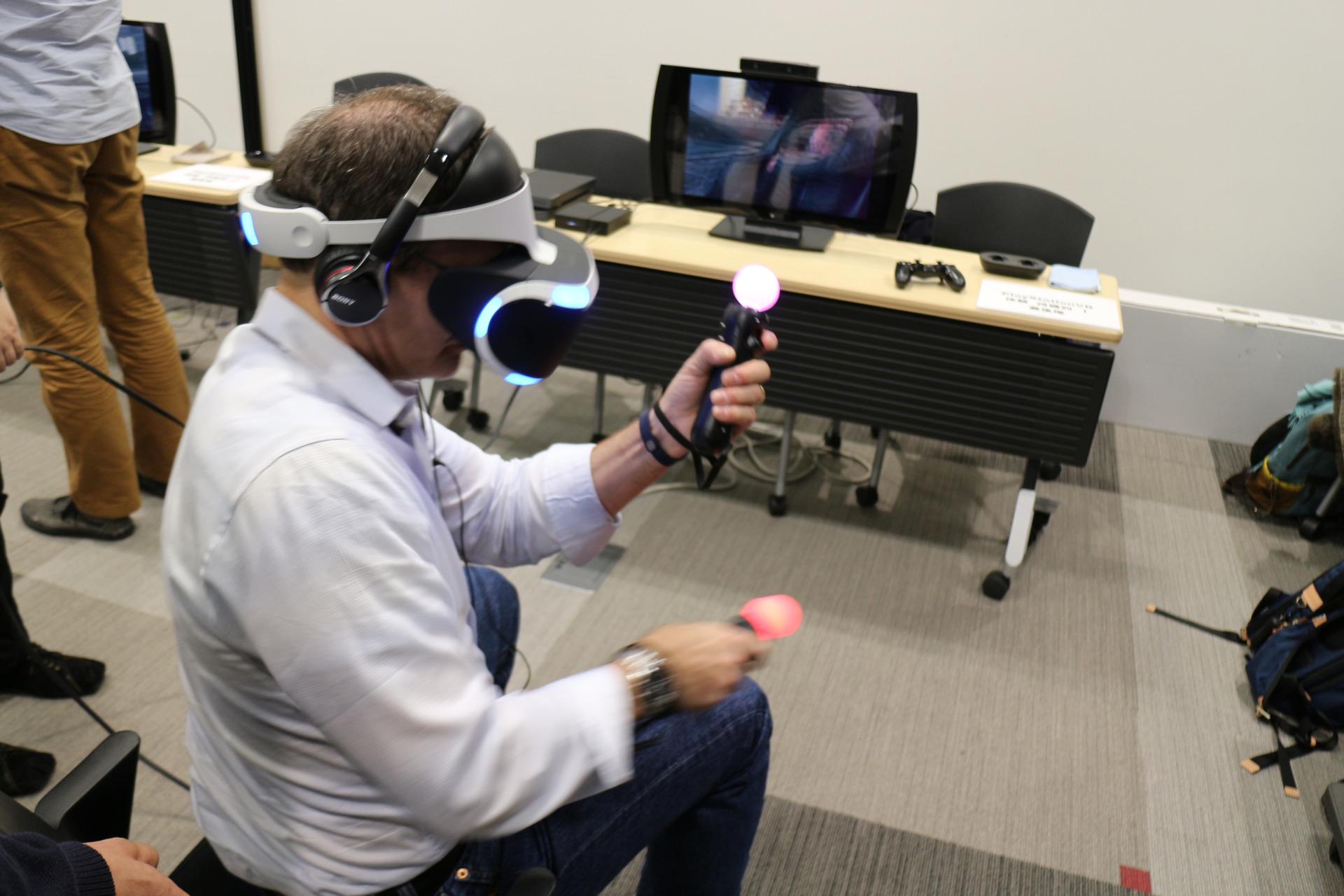 併設された体験コーナーでは、PlayStation VR「The London Heist」等のVR体験デモも行なわれていた