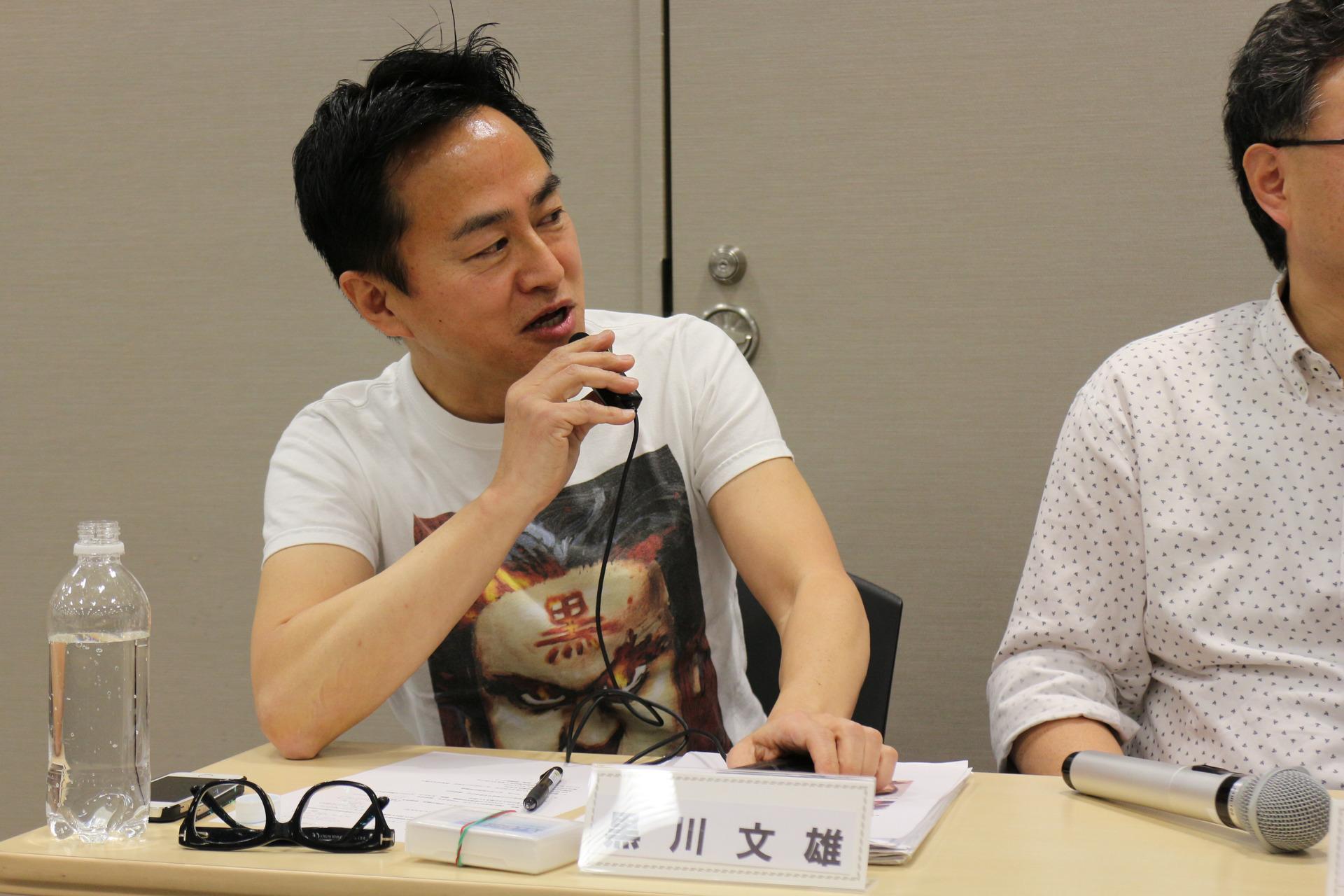 VRの普及に向けた質問をぶつける黒川氏