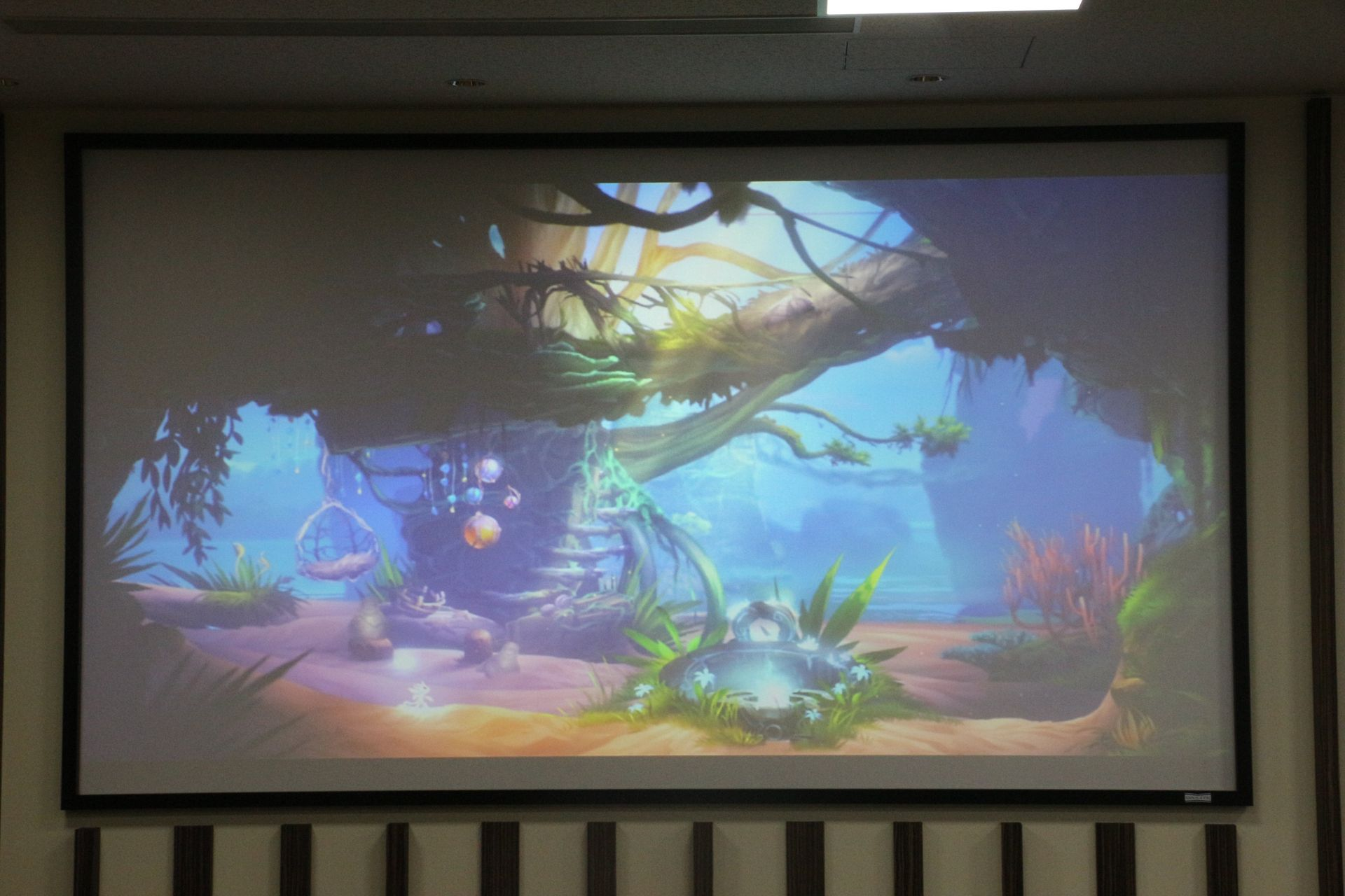 「Ori and the Blind Forest: Definitive Edition」。詳細は後日発表