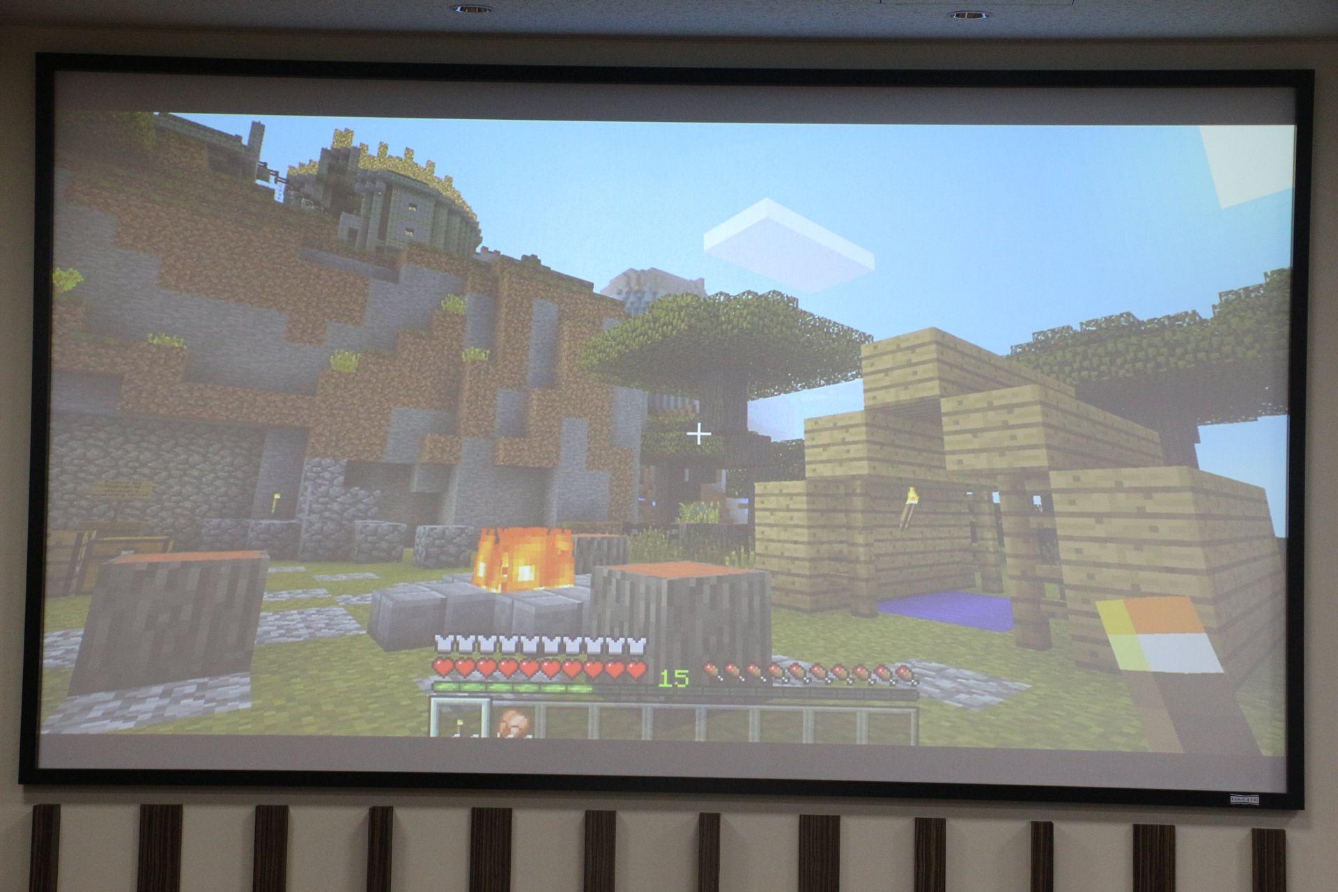 「Minecraft: Windows 10 Edition」。まだβの取れない本作だが、Oculus Riftにも対応し、Oculus Storeでも配信されることが決定。今春リリース予定