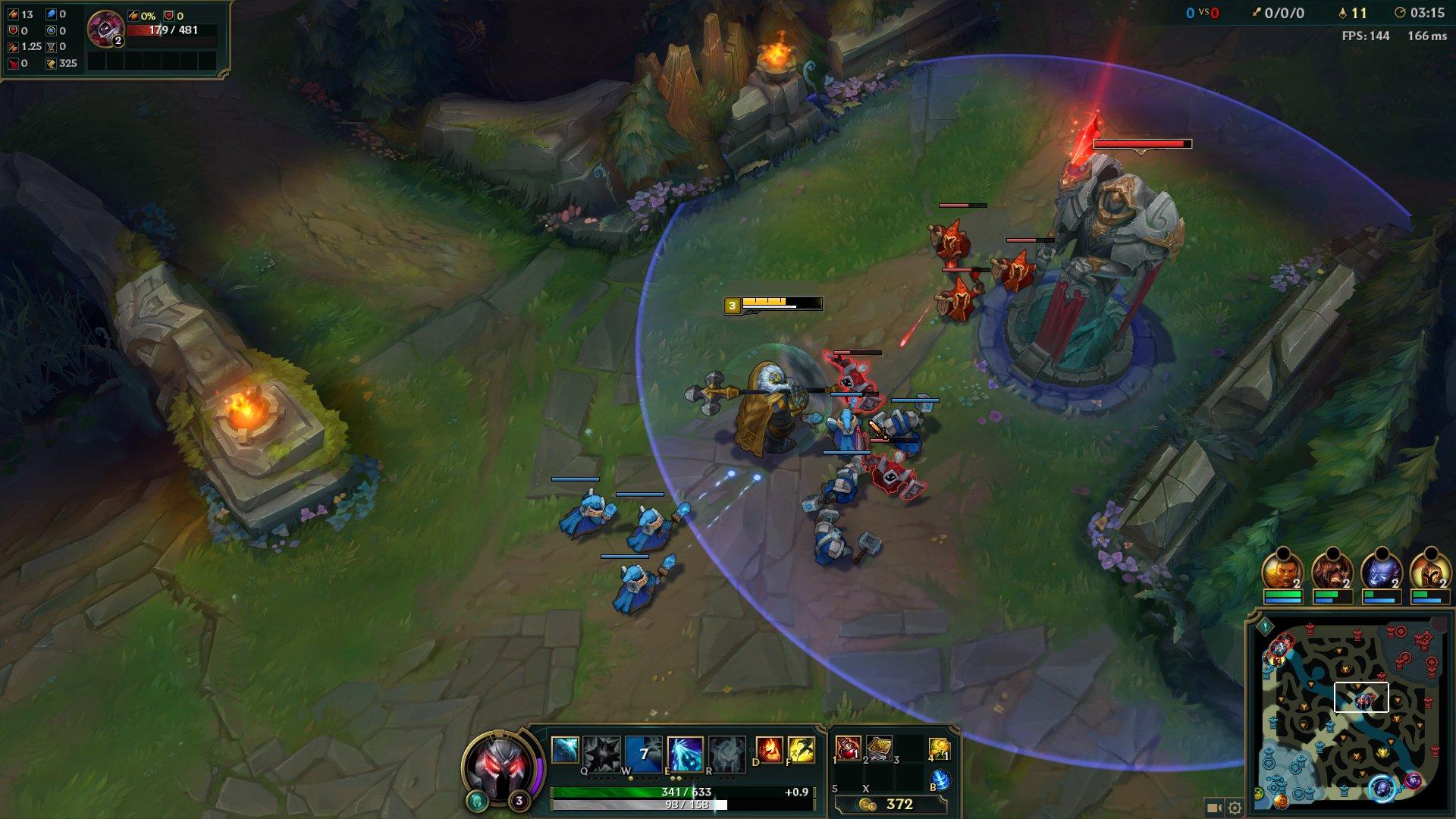 5vs5でタワーを攻め落としていき、最終的に敵陣地の最奥にあるターゲットを落とす。以下に早くチャンピオンを成長させるかが序盤の鍵