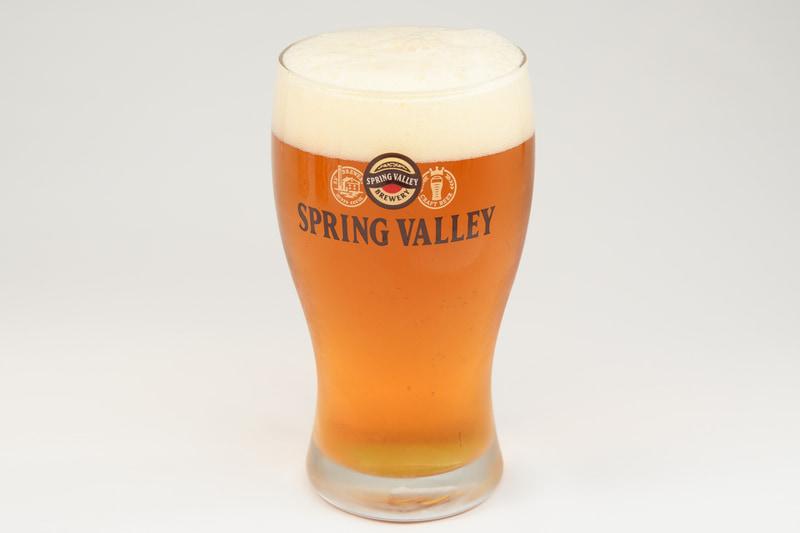 スプリングバレーは、通常のビールよりも濃い色となっており、クラフトビールらしい、独特のリッチさを感じることができる