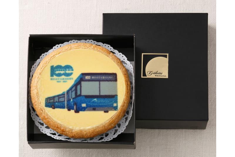 横浜市営交通100周年アニバーサリーチーズケーキ・連節バス「BAYSIDE BLUE(ベイサイド・ブルー)」デザイン