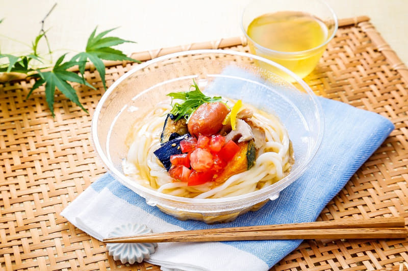 米糀と夏野菜の冷し彩りおうどん