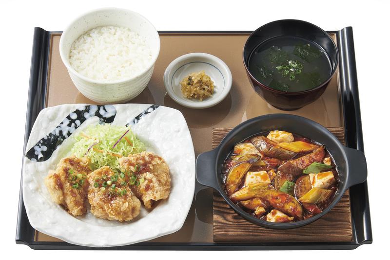 「麻婆茄子と油淋鶏の定食」(890円)
