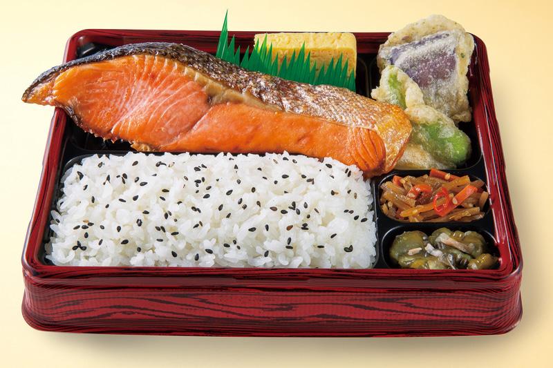 オリジン弁当/キッチンオリジン「厚切り銀鮭の塩焼き弁当」(594円)