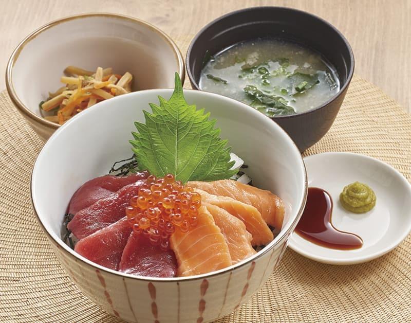 キングサーモン・本マグロ・いくらの三色海鮮丼 単品(みそ汁・小鉢つき)